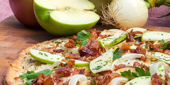 Apple, Bacon, Sweet Vidalia Onion Pizza Recipe Image