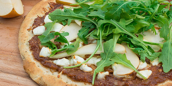 Fig, Pear, Arugula, and Goat cheese Recipe Image